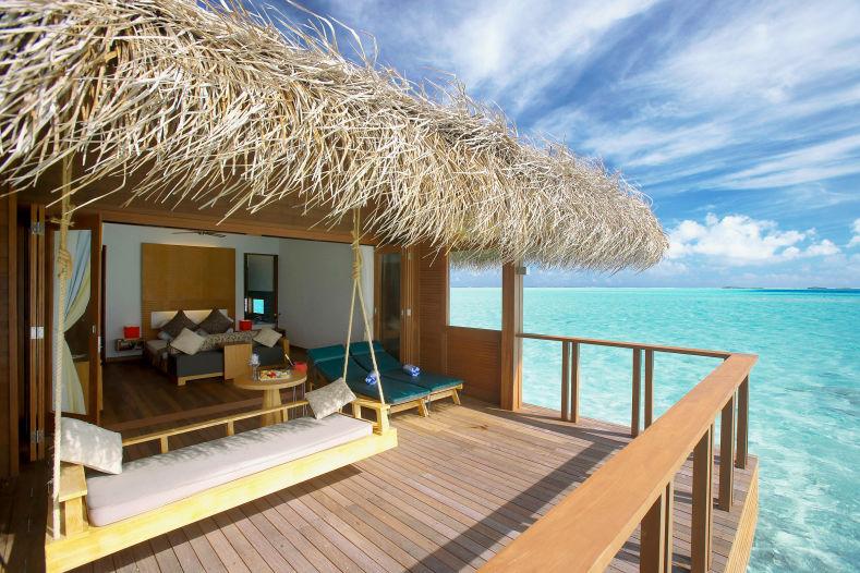 Почивка на Малдивите в Hotel Medhufushi Island Resort 4*