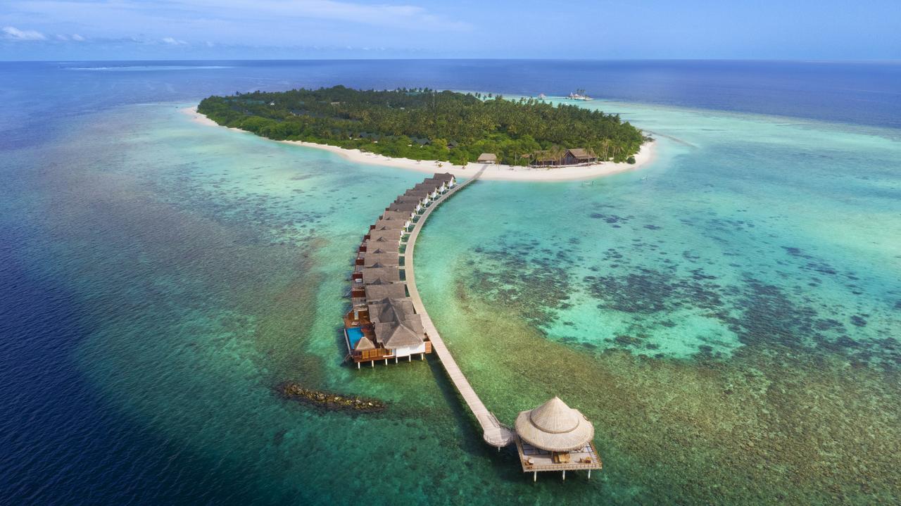 Почивка на Малдивите в Hotel Furaveri Island Resort & Spa 5*
