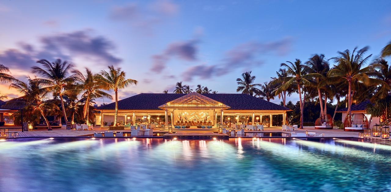 Почивка на Малдивите в Hotel Amari Havodda Maldives 5*