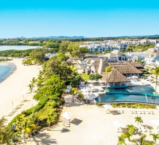 Hotel Radisson Blu Azuri Resort & Spa 5*