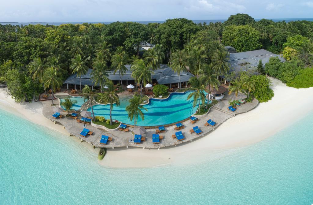 Почивка на Малдивите в Hotel Royal Island Resort 5*