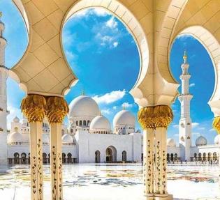 Дубай - златен блясък и пустинно очарование